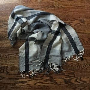 JCrew Factory Blanket Scarf in Grey